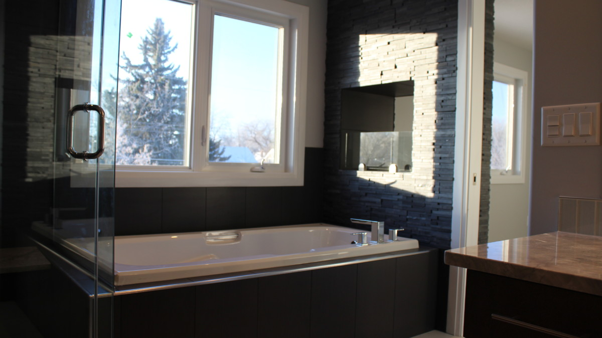 30. Ensuite Tub - PK Developments